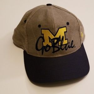 Vintage 1980s Michigan Wolverines NCAA Snapback
